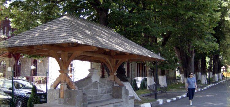 """Biserica """"Naşterea Maicii Domnului """" – Biserica Domnească – Buşteni"""