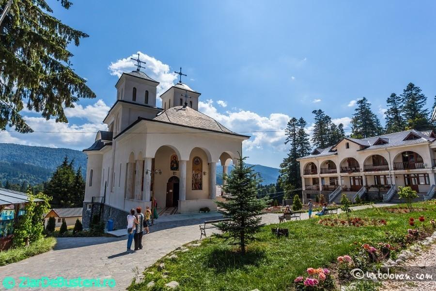 manastirea-caraiman05