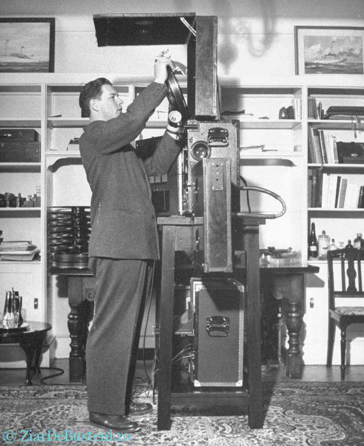 1946 - Regele Mihai la palatul din Sinaia - film