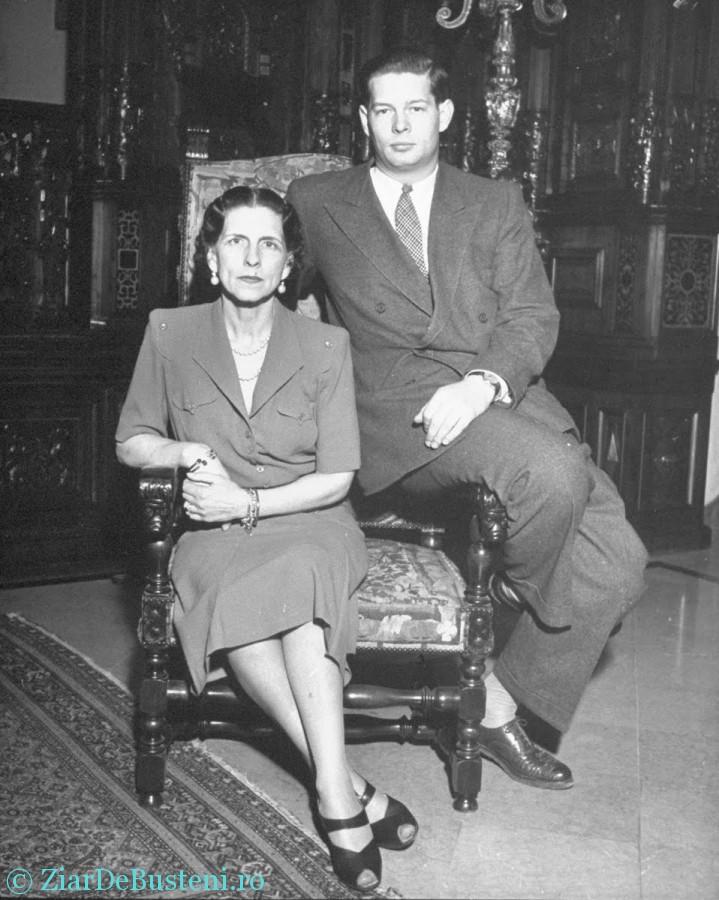 1946 - Regele Mihai si Mama sa Elena