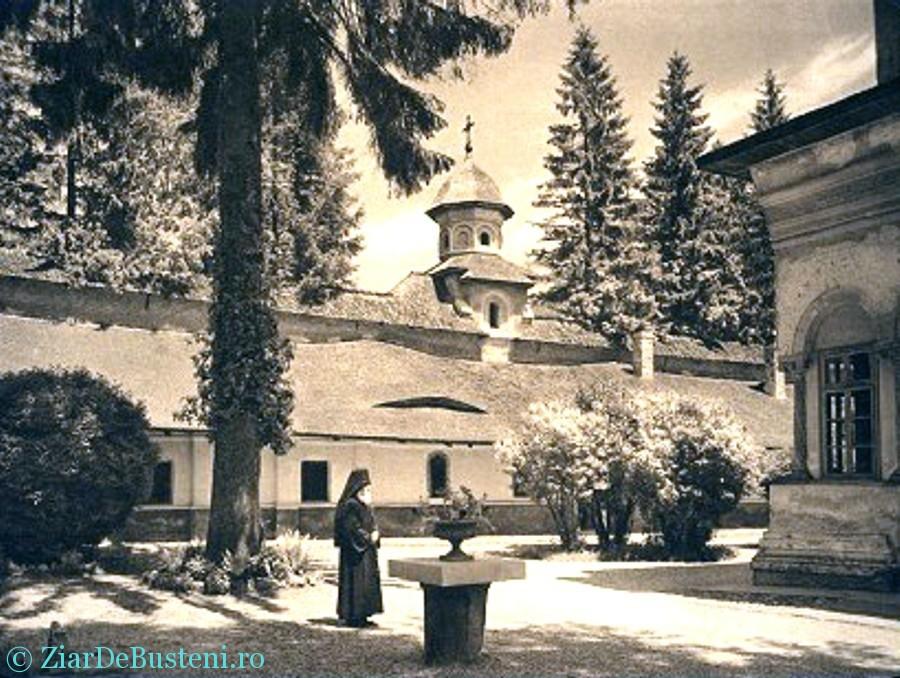 Manastirea SINAIA 01