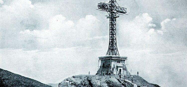 Liber la profanarea monumentelor istorice, autoritățile aplaudă profanatorul la Bușteni