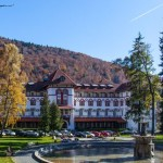 hotelcaraimansinaia