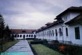 Manastirea-Ghighiu-2