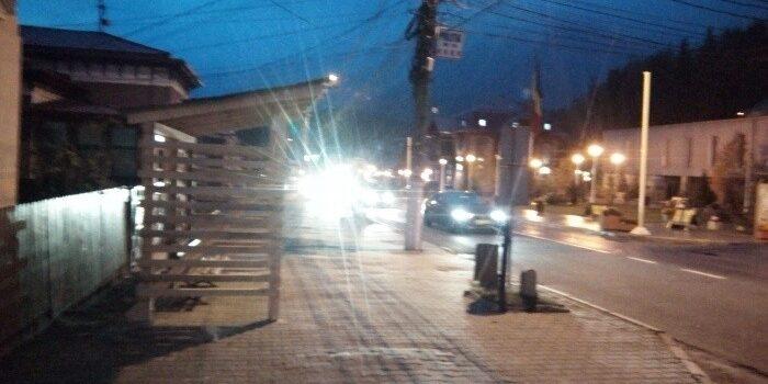 Blocul ANL, stația de autobuz și 1 Decembrie